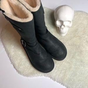 Ugg | Kensington Buckle Boot Size 9